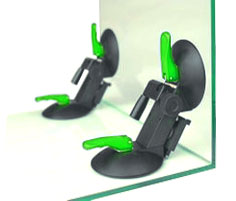 Для предотвращения смещения во время уф-склейки применяют фиксаторы