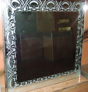 Рисунок на плитке для зеркального потолка, нанесенный пескоструем
